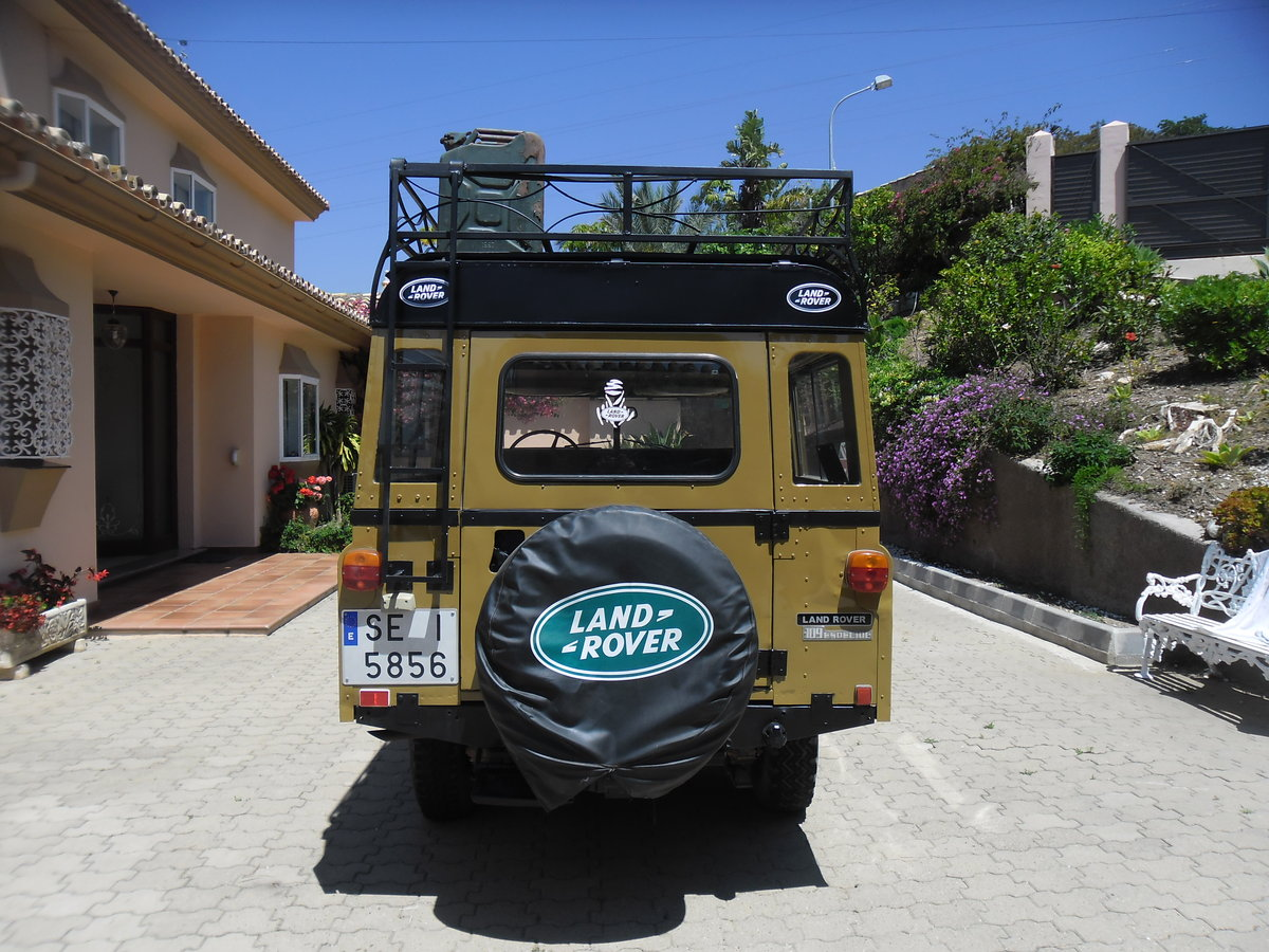 Classic Land Rover 109 Series III Station Wagon   1975 For Sale (picture 6 of 6)