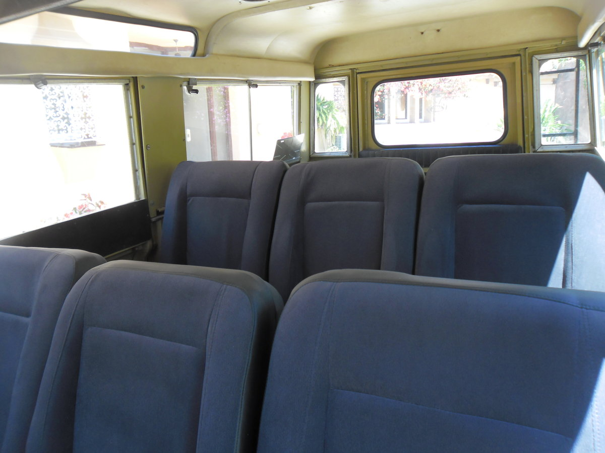 Classic Land Rover 109 Series III Station Wagon   1975 For Sale (picture 5 of 6)