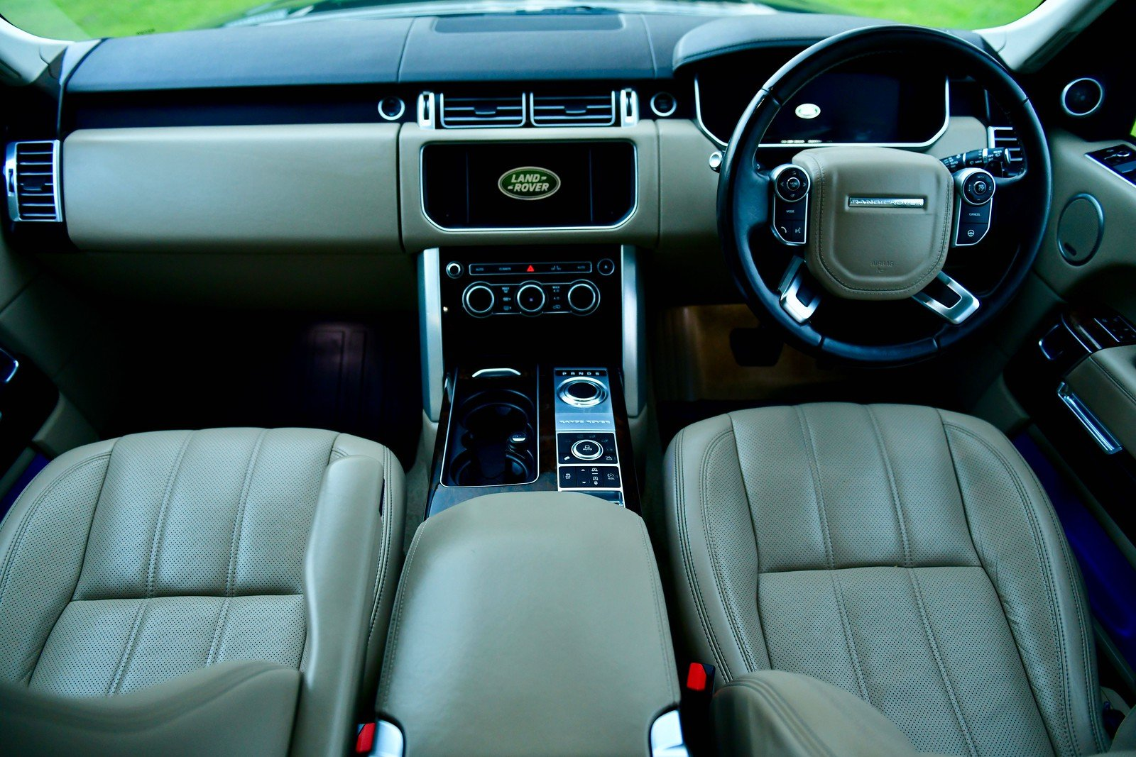 2014  LAND ROVER RANGE ROVER 4.4 SDV8 VOGUE SE 5DR AUTOMATIC SOLD (picture 4 of 6)