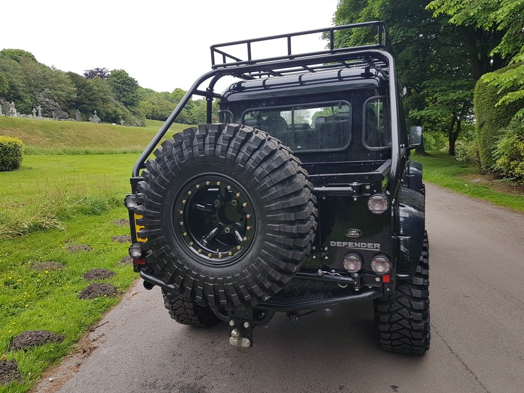 """2011 LAND ROVER DEFENDER """"SPECTRE"""" EDITION For Sale (picture 3 of 6)"""