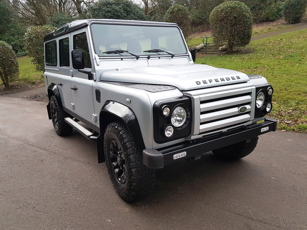 2010 LAND ROVER DEFENDER LHD 110 TDCI COUNTY STATION WAGON For Sale (picture 1 of 6)