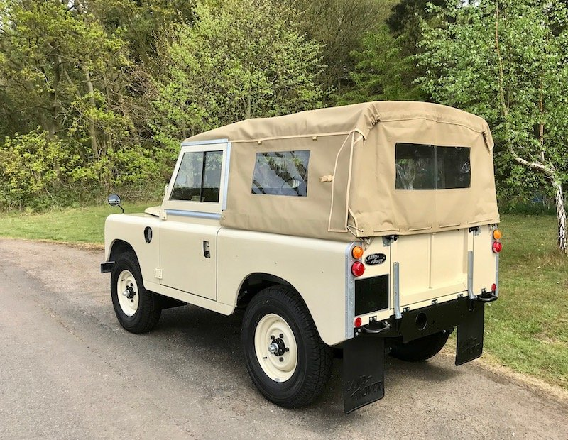 1973 Land Rover Series 3 88 Soft Top, New / Concours - THE BEST! SOLD (picture 2 of 6)