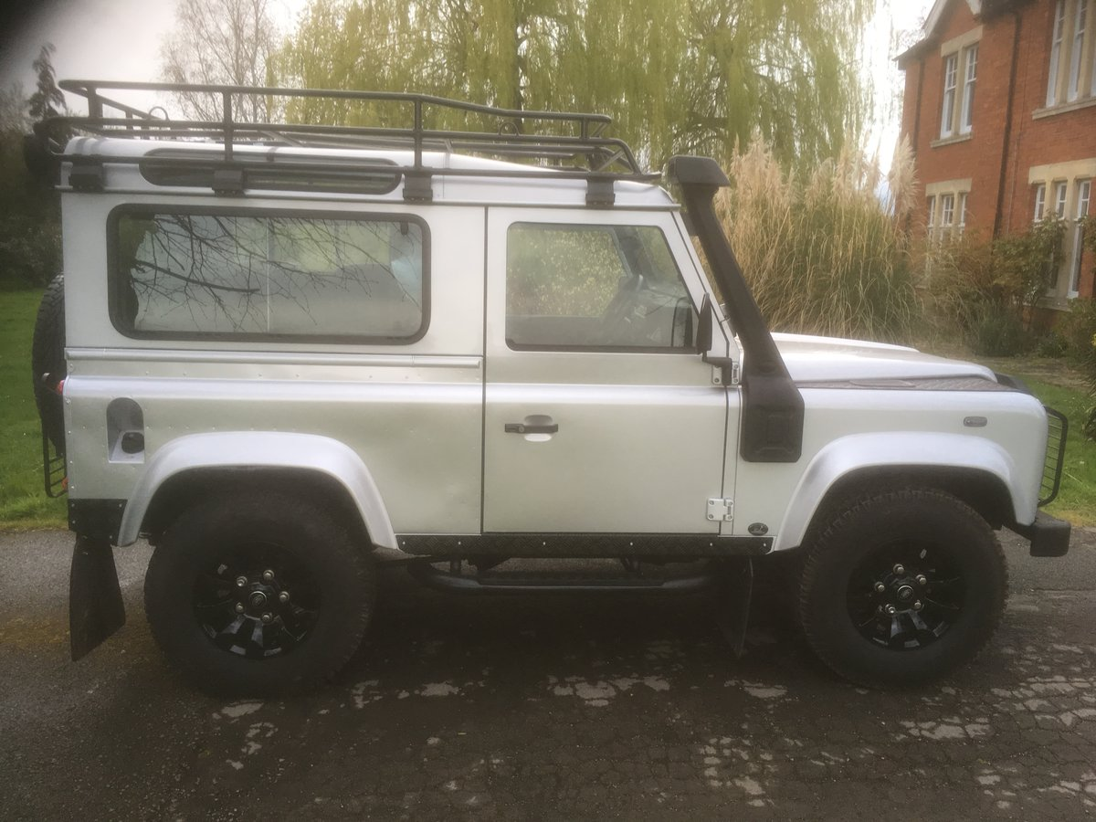 2005 Land Rover Defender 90 XS Factory Station Wagon SOLD (picture 4 of 6)