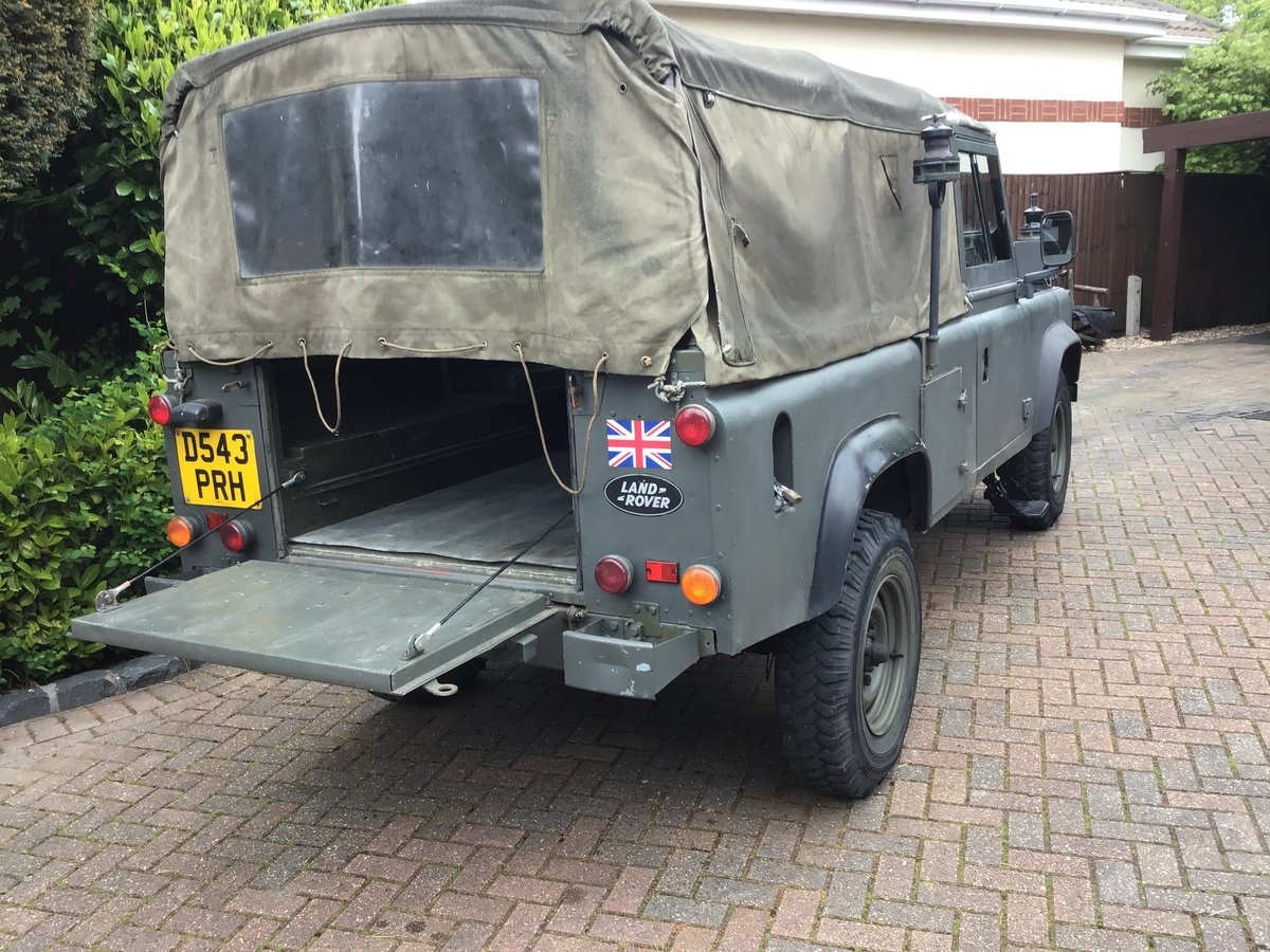 1987 Land Rover Defender Light 4x4 For Sale (picture 2 of 6)