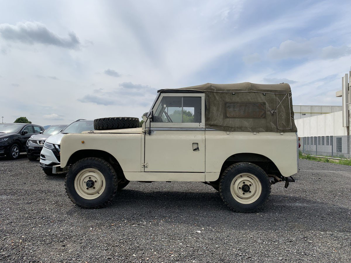 1979 Land Rover 88 For Sale by Auction (picture 2 of 3)