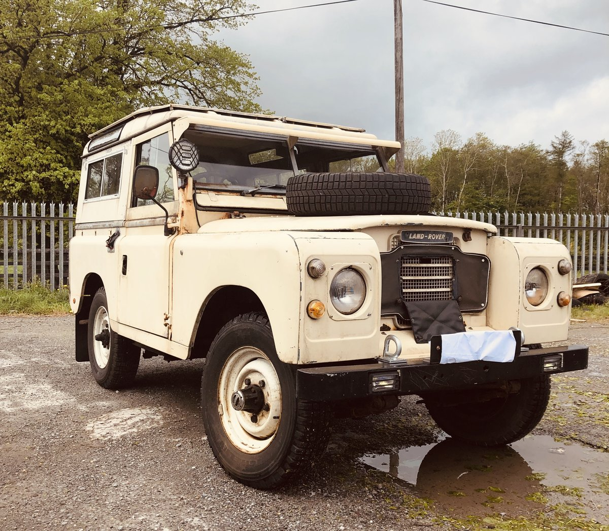 1972 Very Rare Landrover Series 3 For Sale (picture 1 of 6)