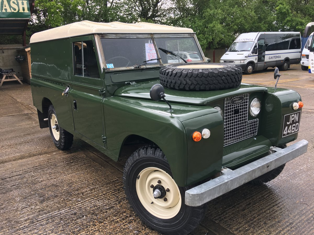 1966 land rover series 2 109 on galvanised chassis only 45000 mls For Sale (picture 1 of 6)