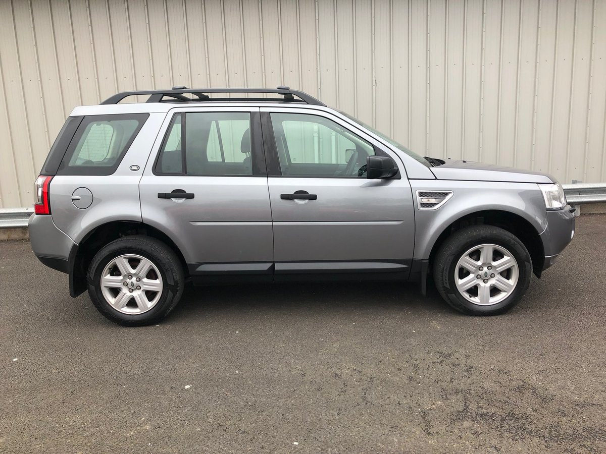 2012 12 LAND ROVER FREELANDER 2.2 TD4 GS 5D AUTO 150 BHP For Sale (picture 2 of 6)