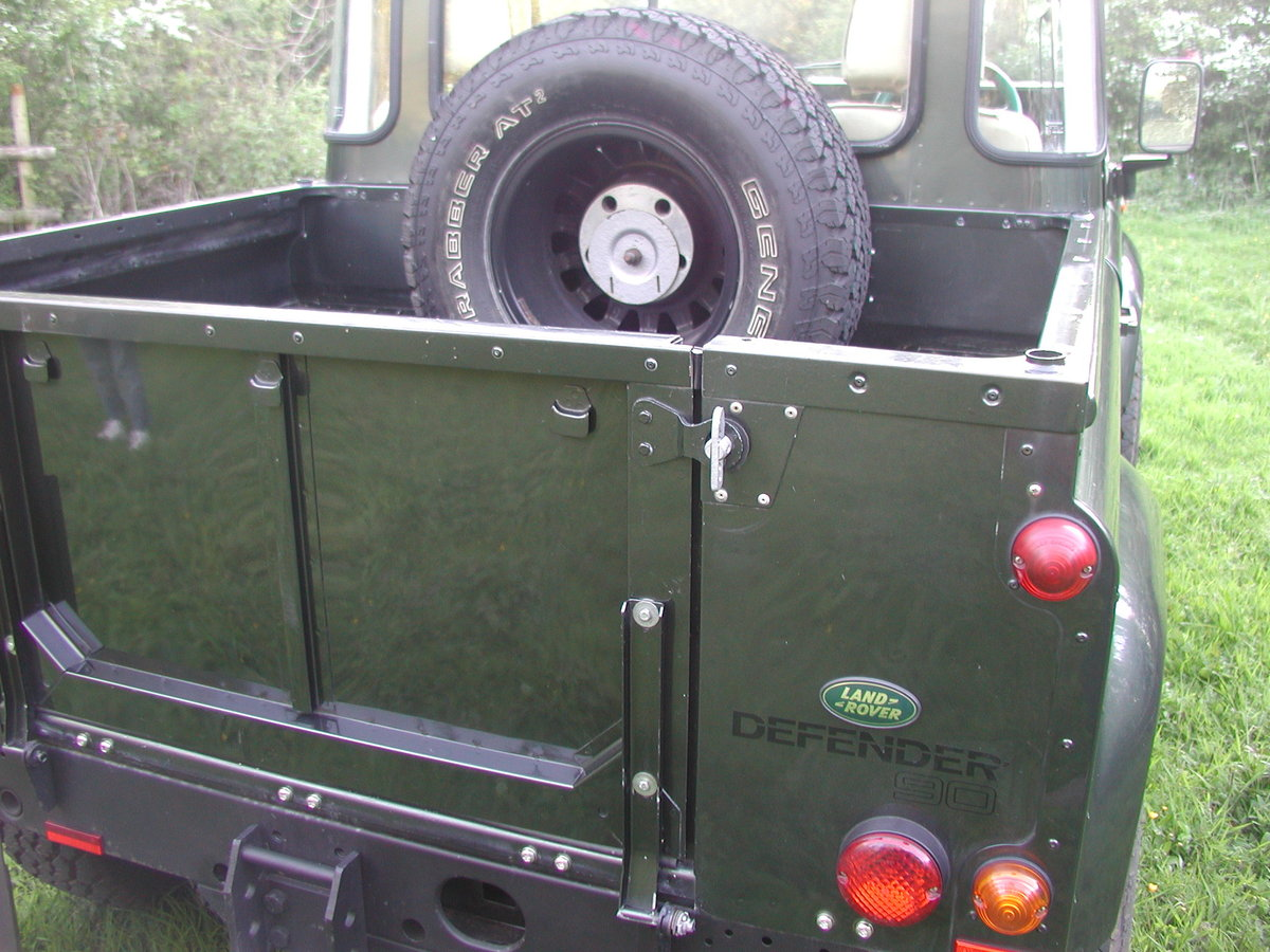 2005 LANDROVER DEFENDER 90 2.5 TD5 COUNTY PICK UP 36K  For Sale (picture 3 of 6)