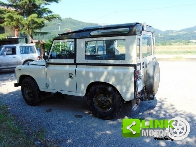 Land Rover Defender 88 HT 366, anno 1983, iscritta ASI, res For Sale (picture 3 of 6)