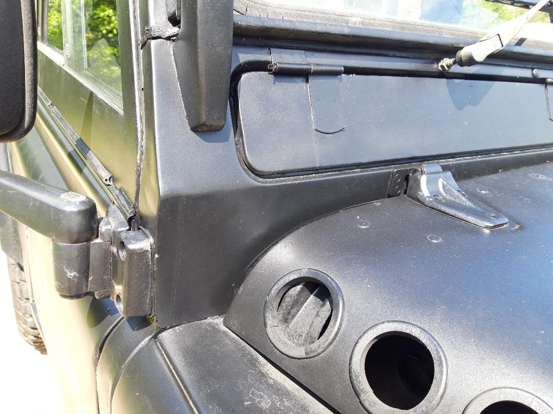 1992 Land Rover Defender V8 John Eales 4.6  270BHP Auto For Sale (picture 4 of 6)
