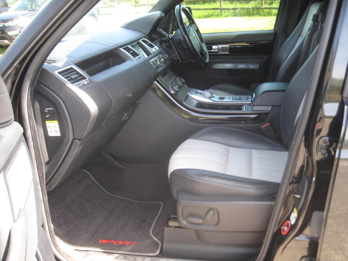 2012 Range Rover Sport HSE SDV6 A RED EDITION For Sale (picture 6 of 6)