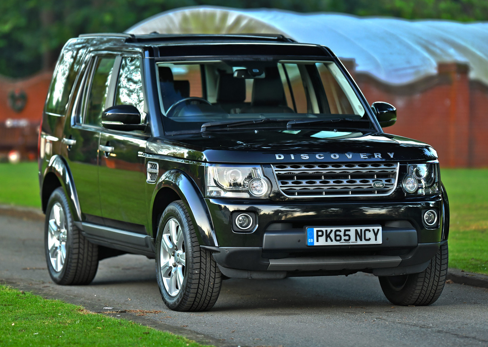 2015 Land Rover Discovery 3.0 SDV6 SE Tech 5dr Auto For Sale (picture 1 of 6)