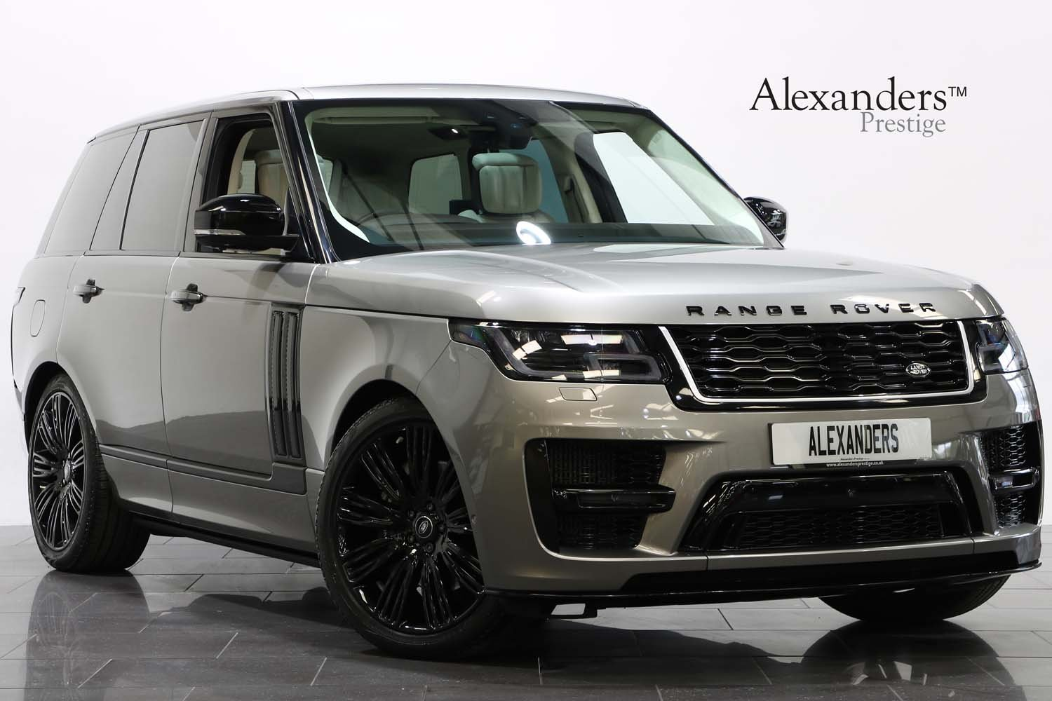 2018 68 RANGE ROVER 4.4 SDV8 AUTOBIOGRAPHY AUTO  For Sale (picture 1 of 6)