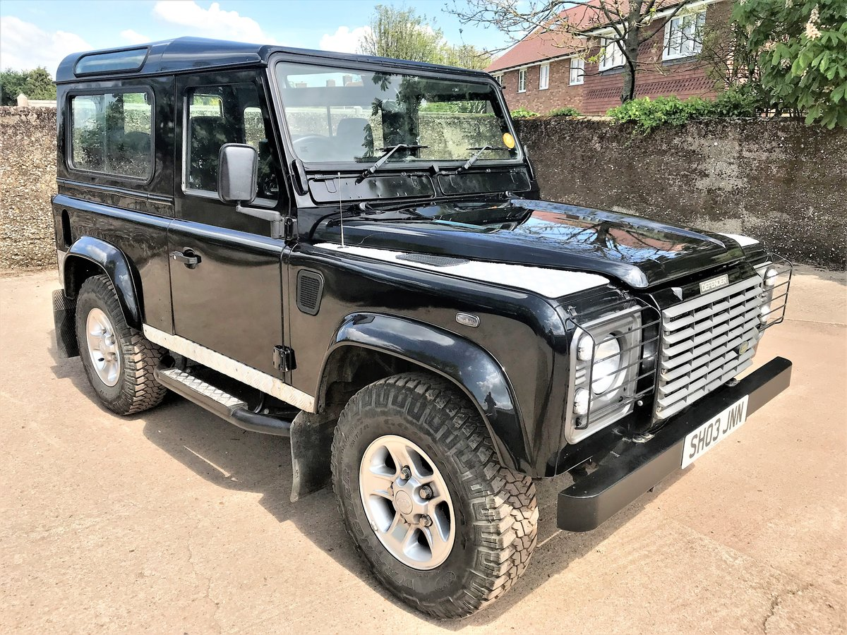 stunning 2003/53 Defender 90 TD5 XS station wagon+86000m SOLD (picture 1 of 6)