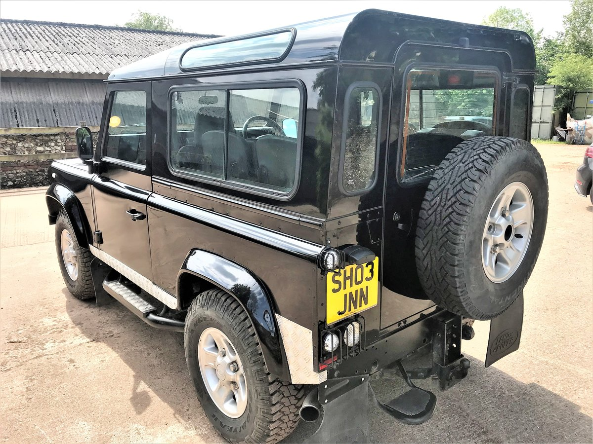 stunning 2003/53 Defender 90 TD5 XS station wagon+86000m SOLD (picture 4 of 6)