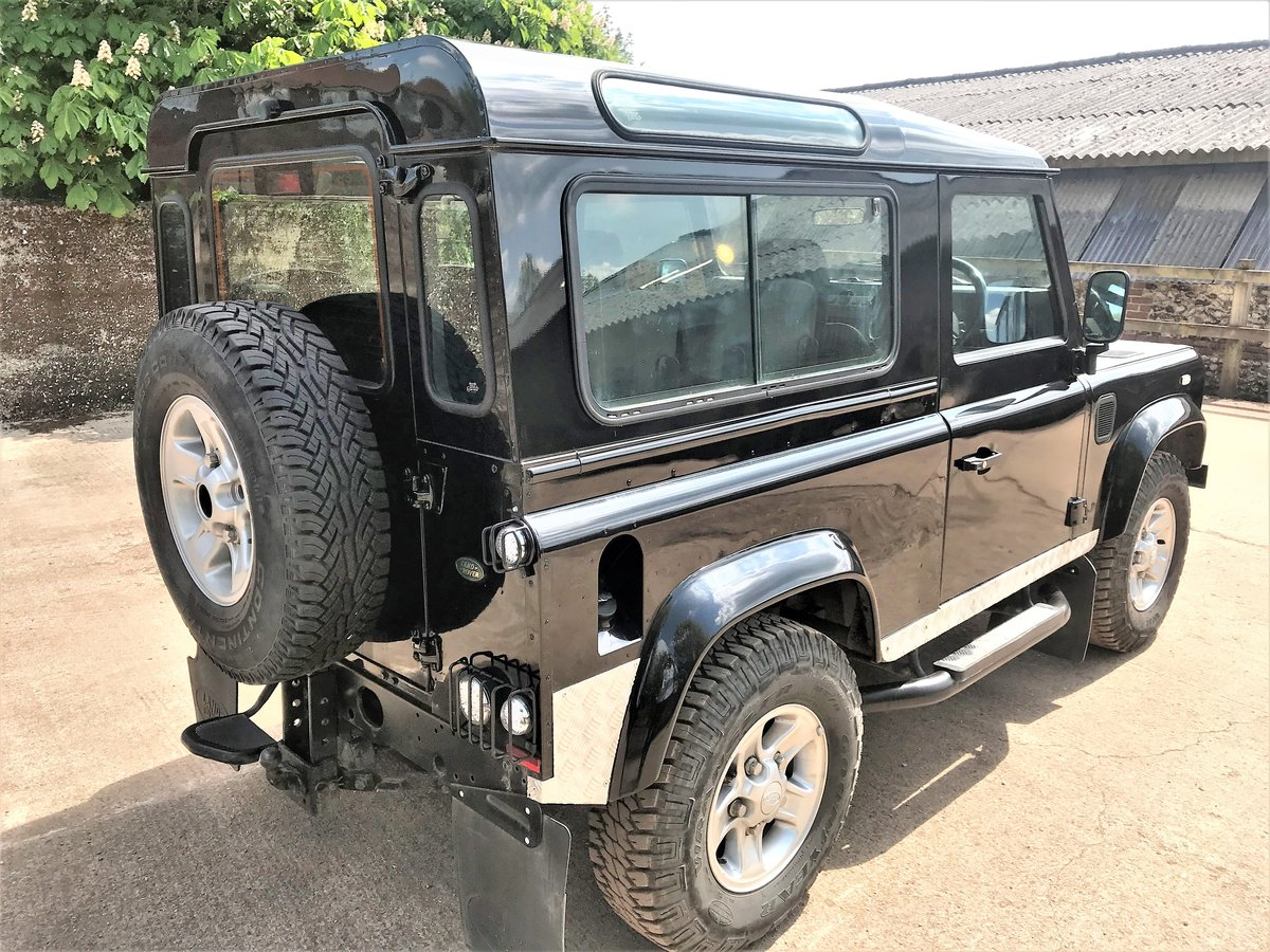 stunning 2003/53 Defender 90 TD5 XS station wagon+86000m SOLD (picture 5 of 6)