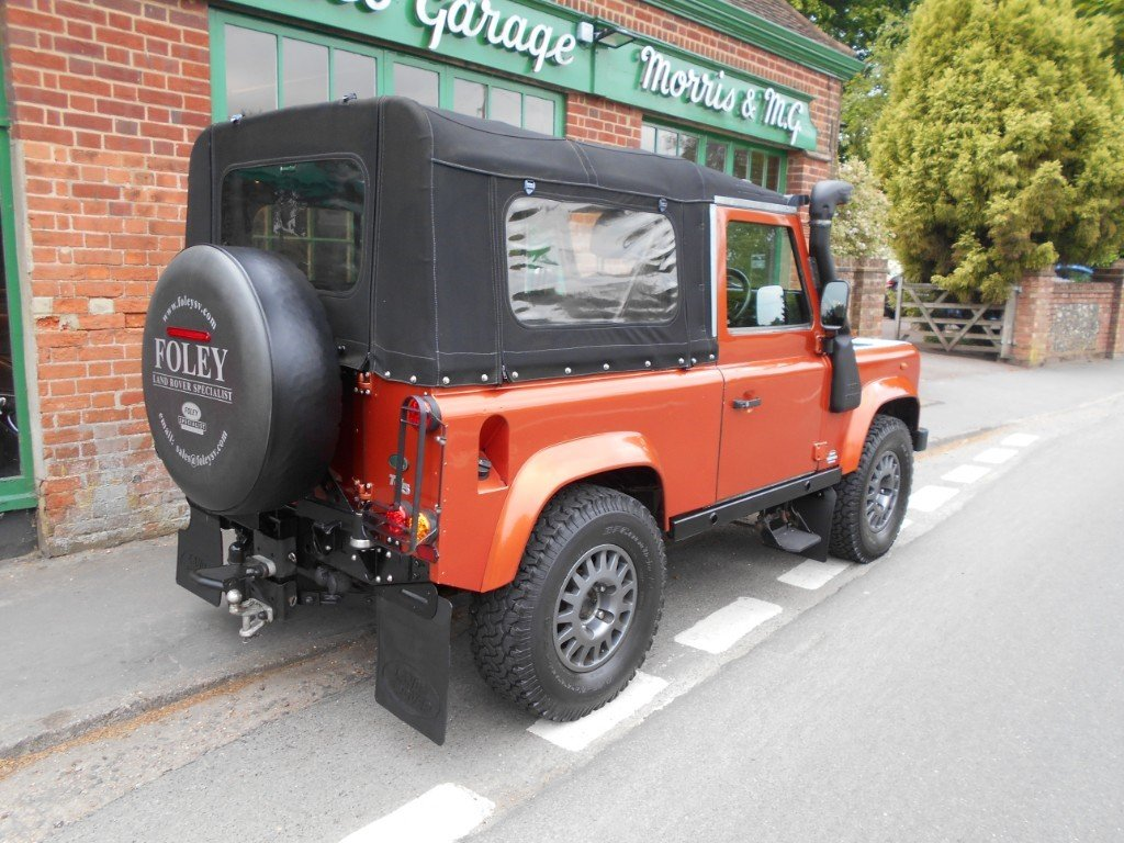 2001 Land Rover Defender 90 TD XS COnvertible  SOLD (picture 3 of 4)
