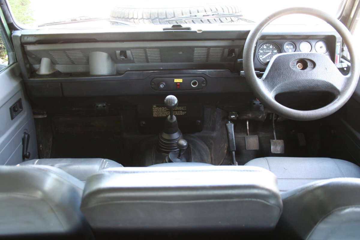1998 Land Rover Defender 110 300 TDI Ex MOD For Sale (picture 3 of 6)