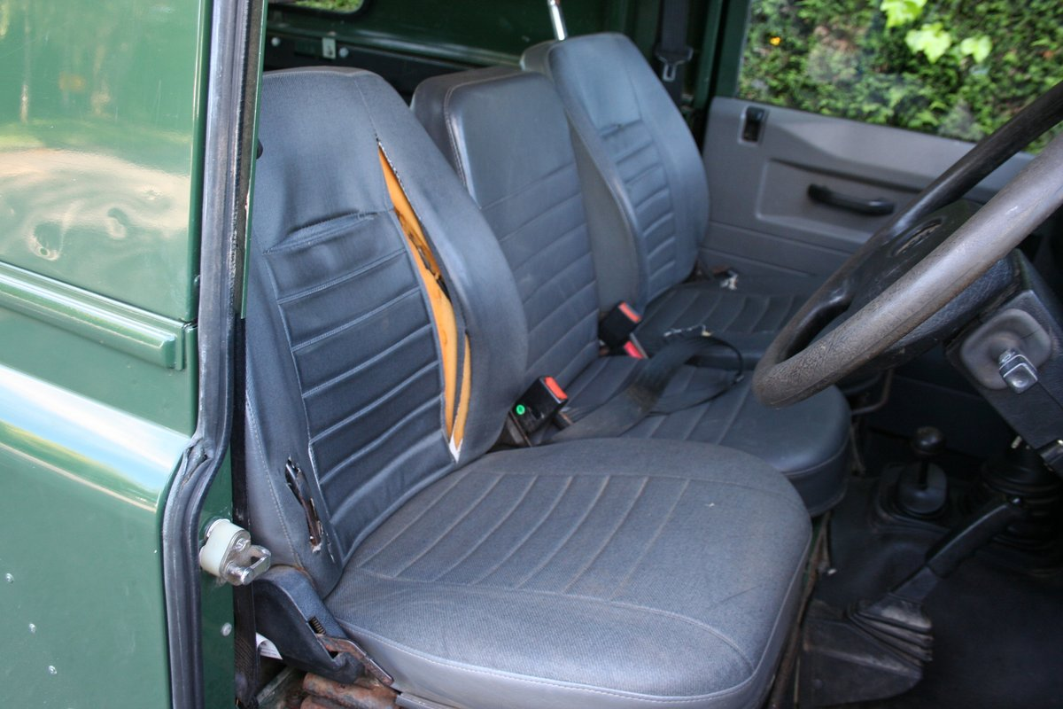 1998 Land Rover Defender 110 300 TDI Ex MOD For Sale (picture 4 of 6)