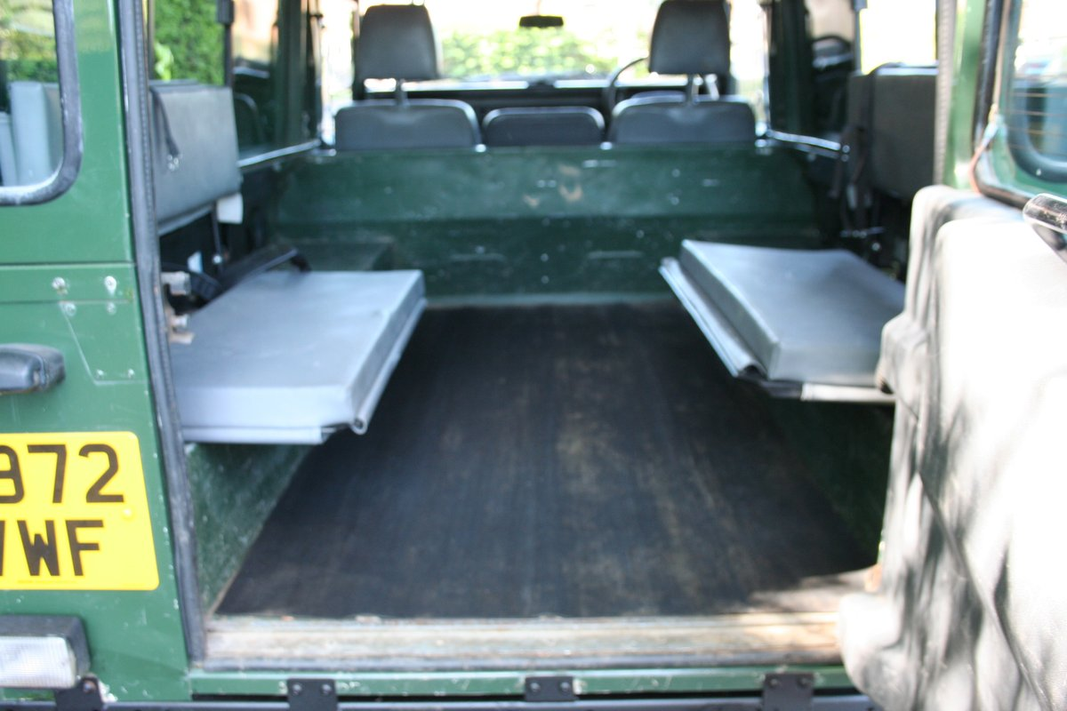 1998 Land Rover Defender 110 300 TDI Ex MOD For Sale (picture 5 of 6)