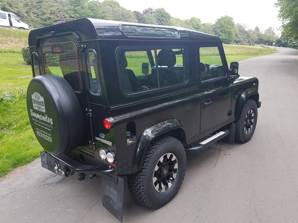2011 LAND ROVER DEFENDER 90 TDCI COUNTY STATION WAGON XS For Sale (picture 4 of 6)