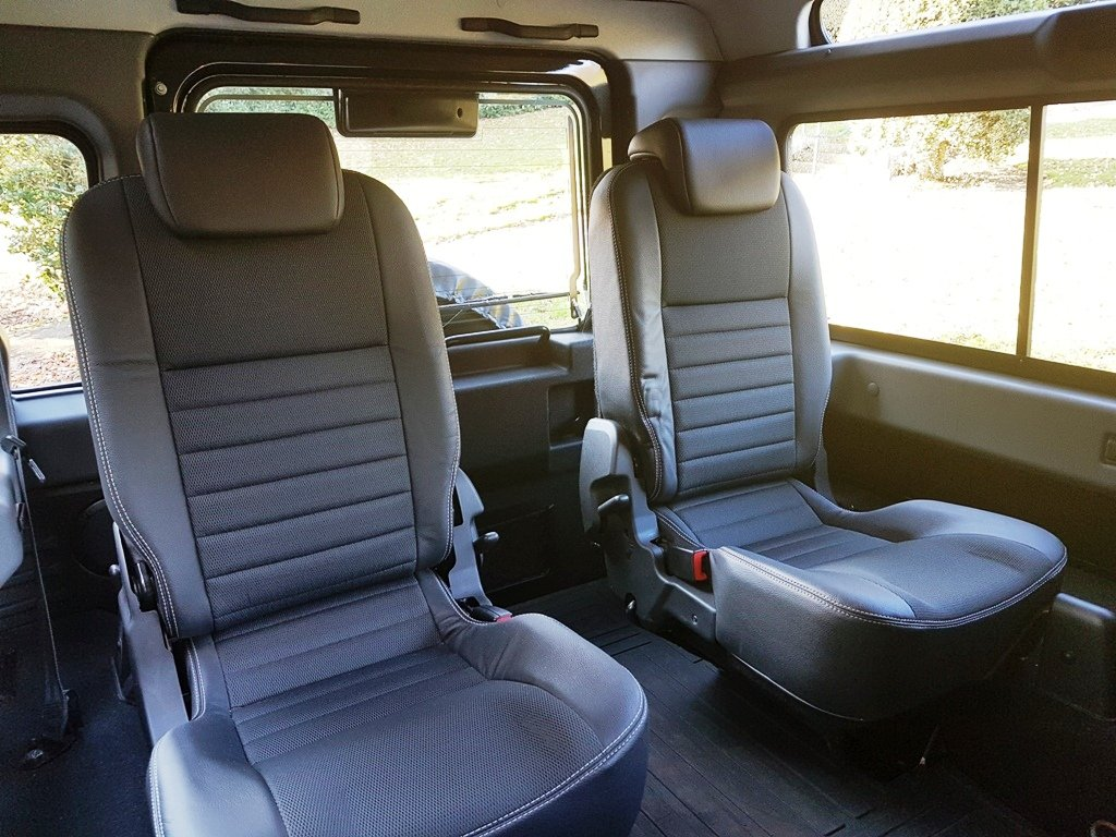2011 LAND ROVER DEFENDER 90 TDCI COUNTY STATION WAGON XS For Sale (picture 6 of 6)