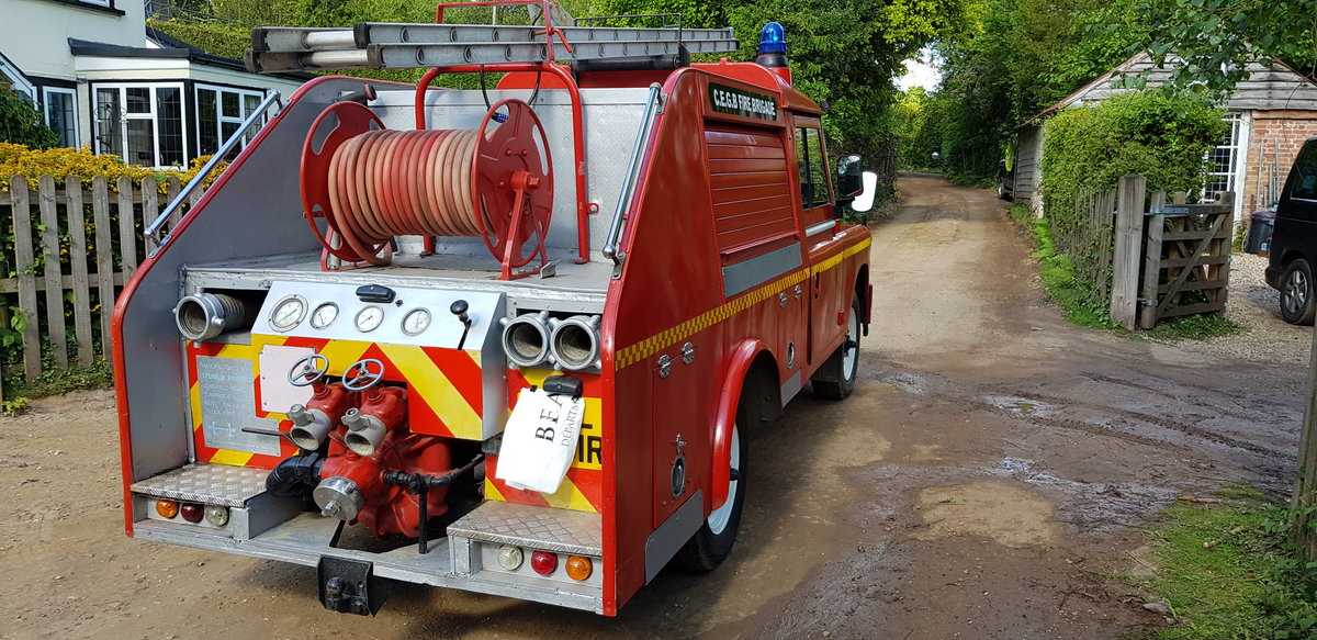 1977 Land Rover Series 3 Fire Engine Appliance Pump SOLD (picture 3 of 6)