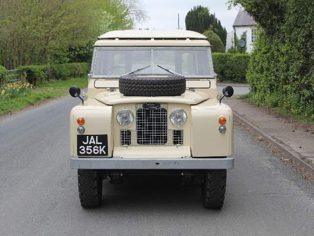 1966 Land Rover Series IIA 109 Station Wagon SOLD (picture 2 of 12)