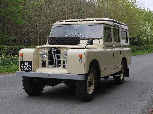 1966 Land Rover Series IIA 109 Station Wagon SOLD (picture 3 of 12)