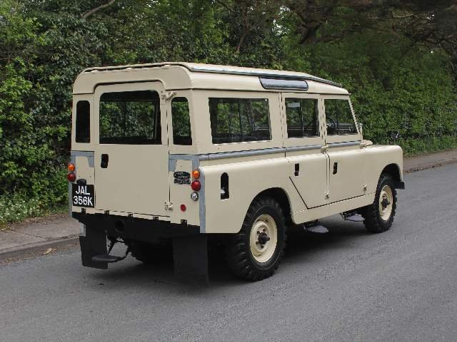 1966 Land Rover Series IIA 109 Station Wagon SOLD (picture 5 of 12)
