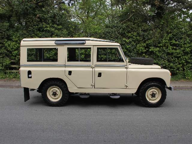 1966 Land Rover Series IIA 109 Station Wagon SOLD (picture 6 of 12)