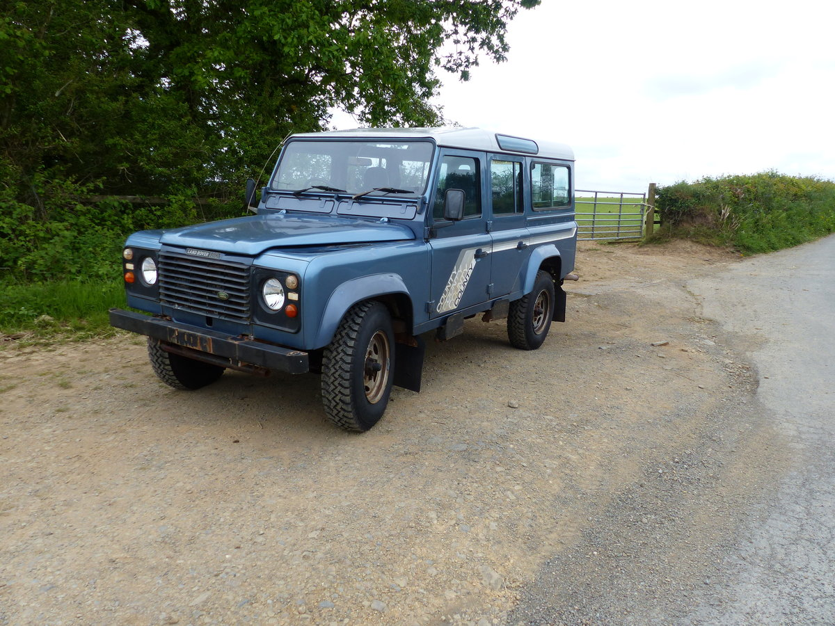 1990 Land Rover Defender 110 V8 County Station Wagon  For Sale (picture 2 of 6)