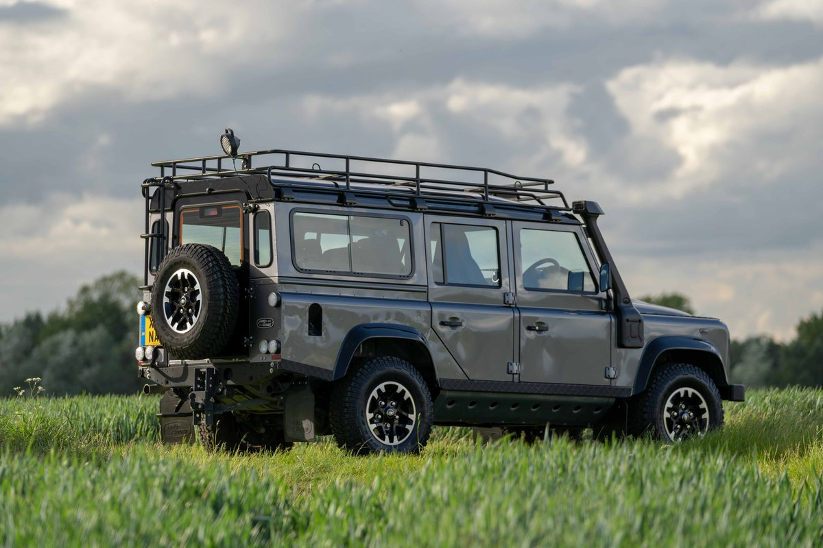 2015 Land Rover Defender 110 Adventure. 1 of 600. SOLD (picture 2 of 6)