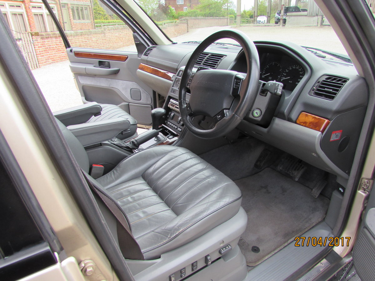 RANGE ROVER P38  4.6 HSE  1999 - 44,000  MILES FROM NEW For Sale (picture 2 of 6)