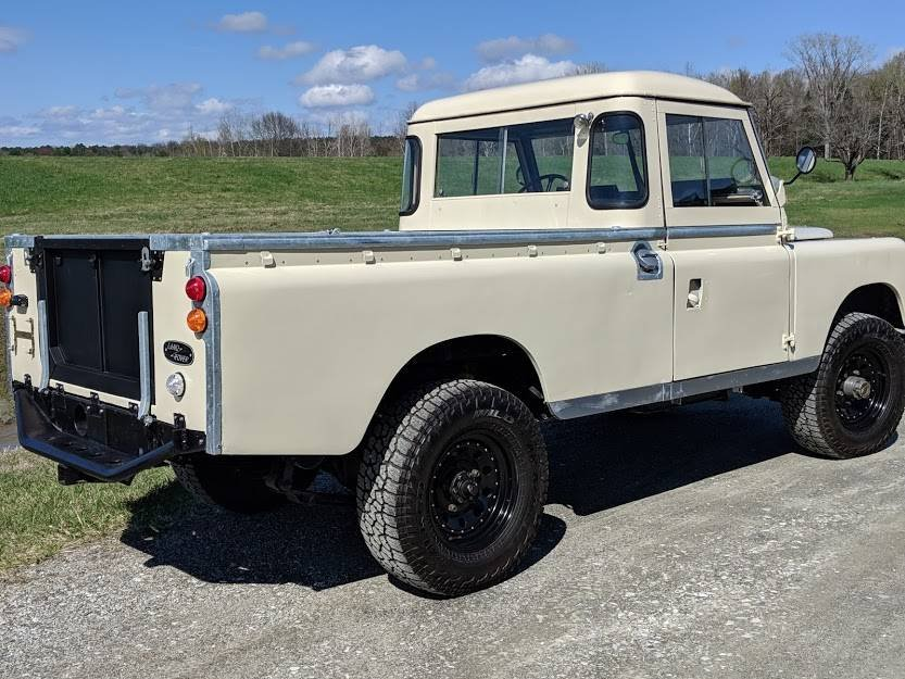 1967 Land Rover Series 2A 109 pickup truck For Sale (picture 4 of 6)