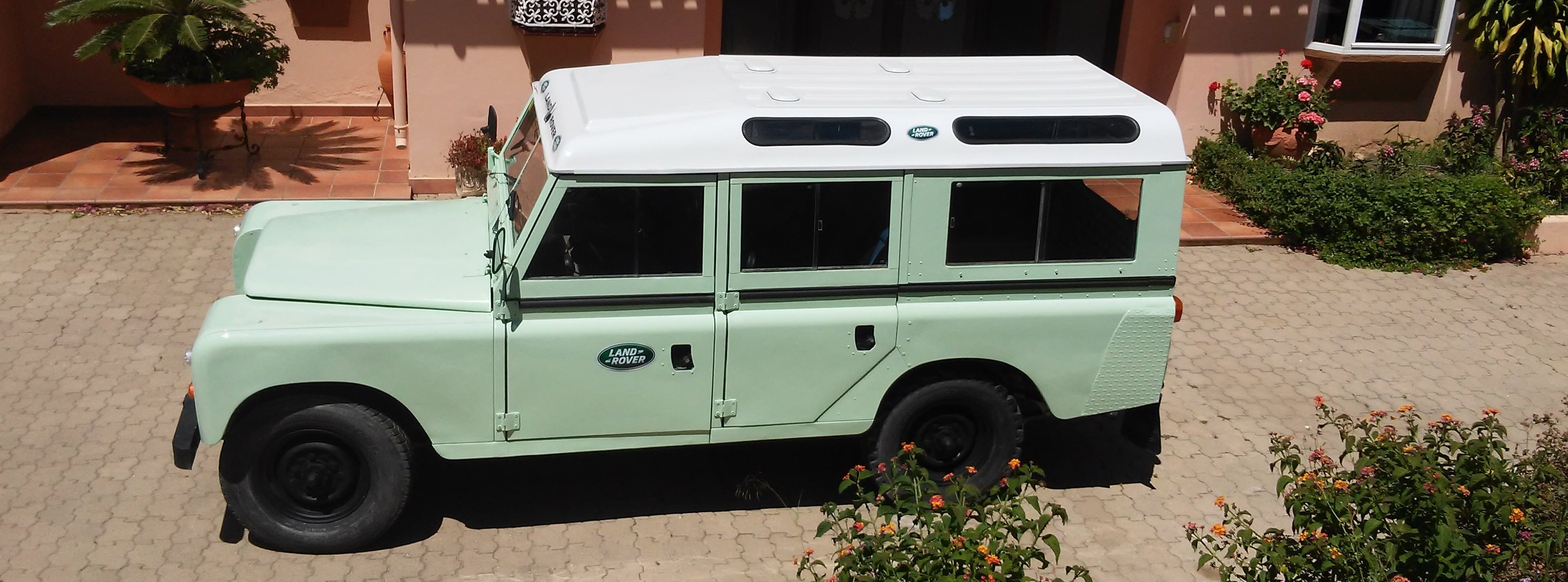 9404 Classic Land Rover 109 Series III Station Wagon   1979 For Sale (picture 1 of 6)