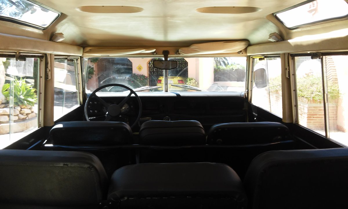 9404 Classic Land Rover 109 Series III Station Wagon   1979 For Sale (picture 6 of 6)