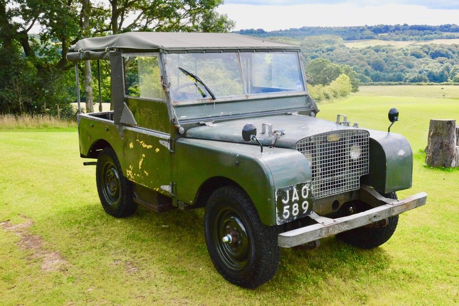 Land Rover Series 1 80 1949 R866 Lights Behind the Grille  For Sale (picture 1 of 6)
