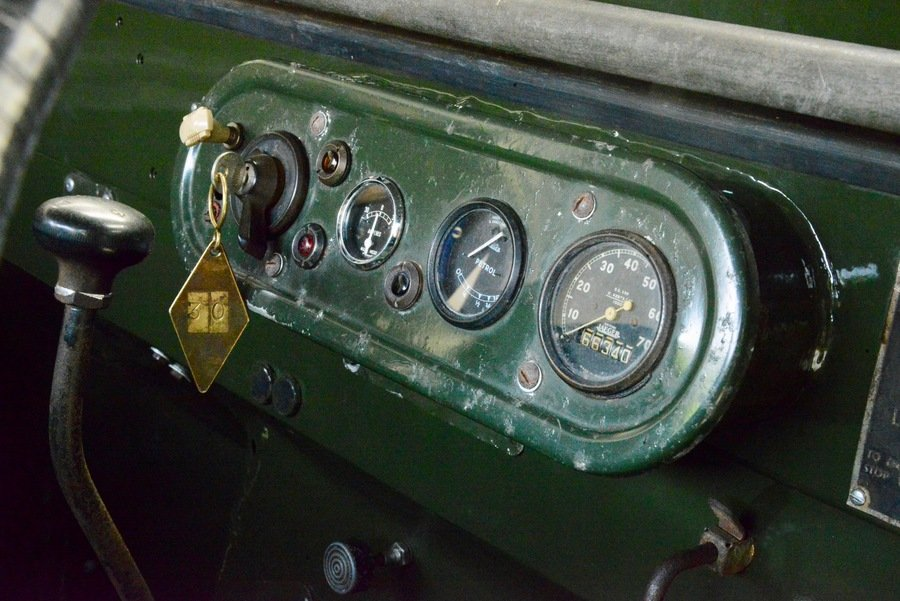 Land Rover Series 1 80 1949 R866 Lights Behind the Grille  For Sale (picture 5 of 6)