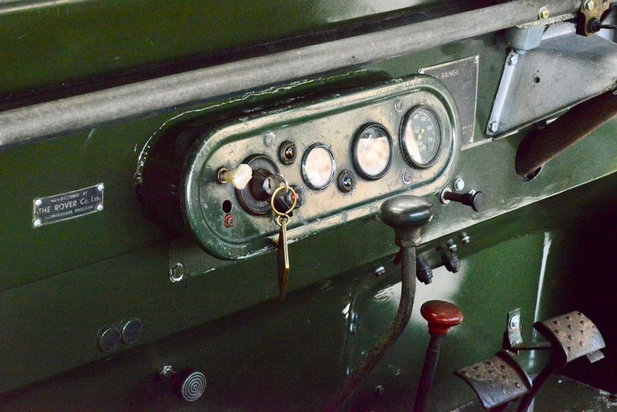 Land Rover Series 1 80 1949 R866 Lights Behind the Grille  For Sale (picture 6 of 6)