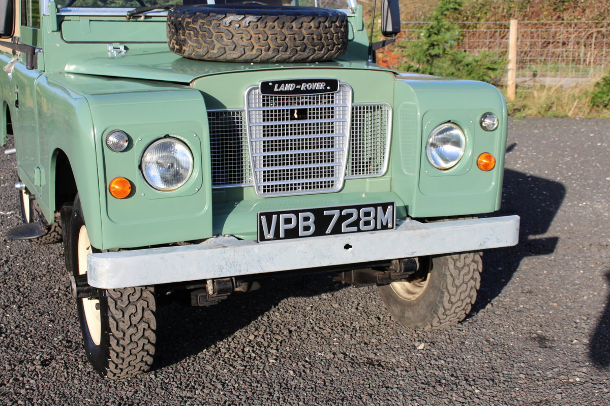 Land Rover Series 3 88 1974 Pastel Green Softop Refurbished  For Sale (picture 2 of 6)