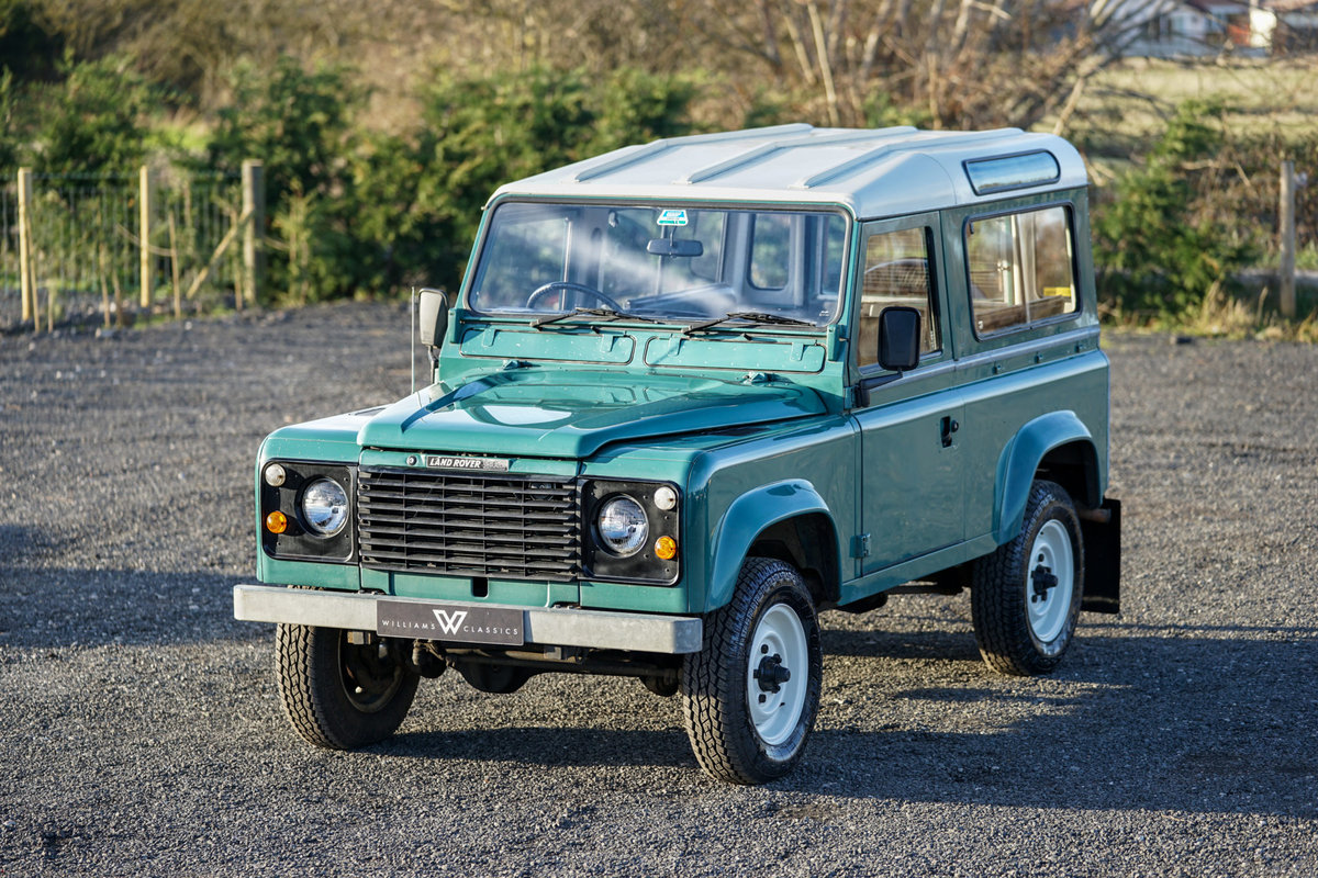 1986 Land Rover 90 Factory V8 Station Wagon 41,000 Miles From New For Sale (picture 1 of 6)