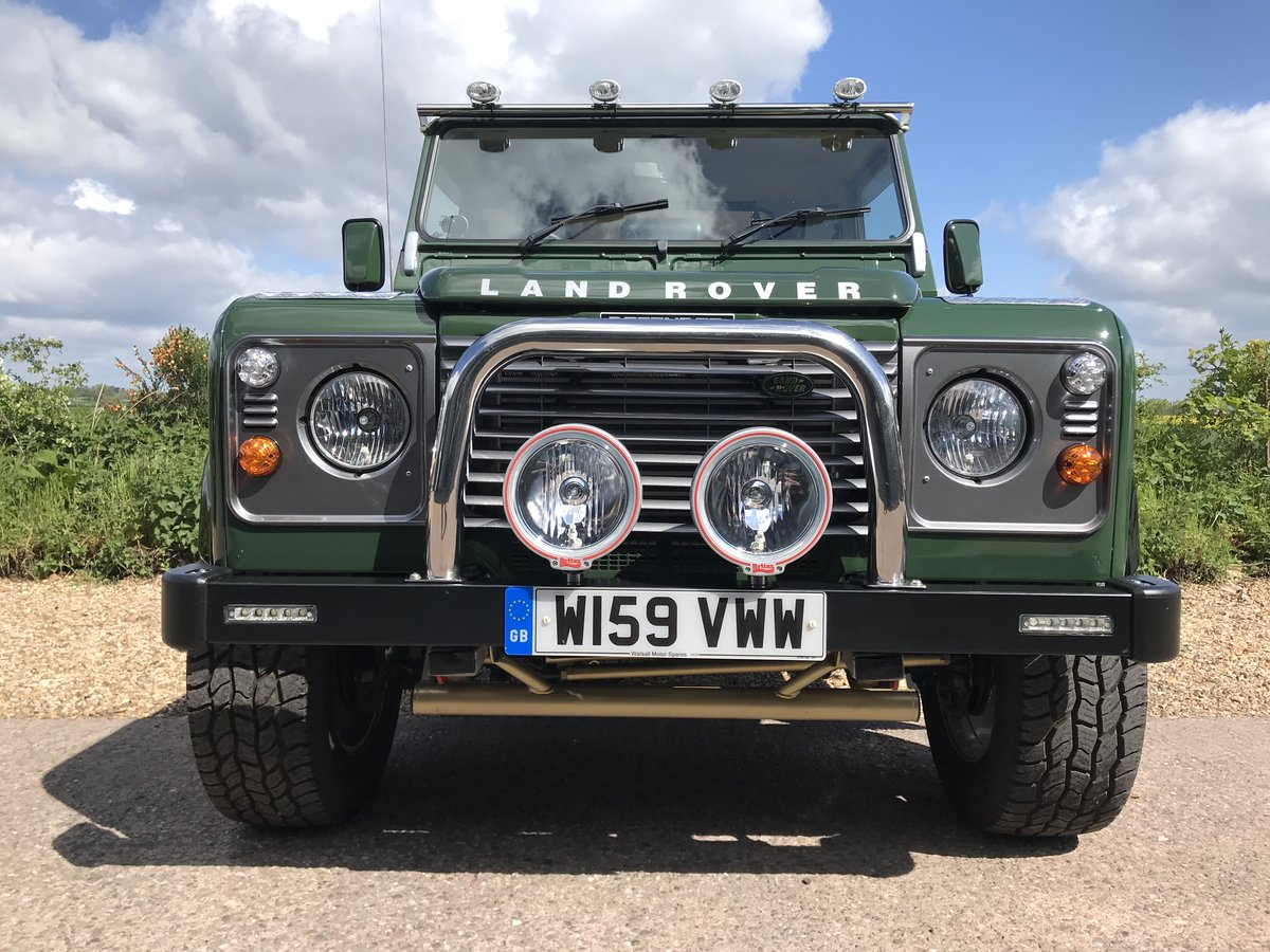 2000 Land Rover Defender Fully rebuilt For Sale (picture 4 of 6)