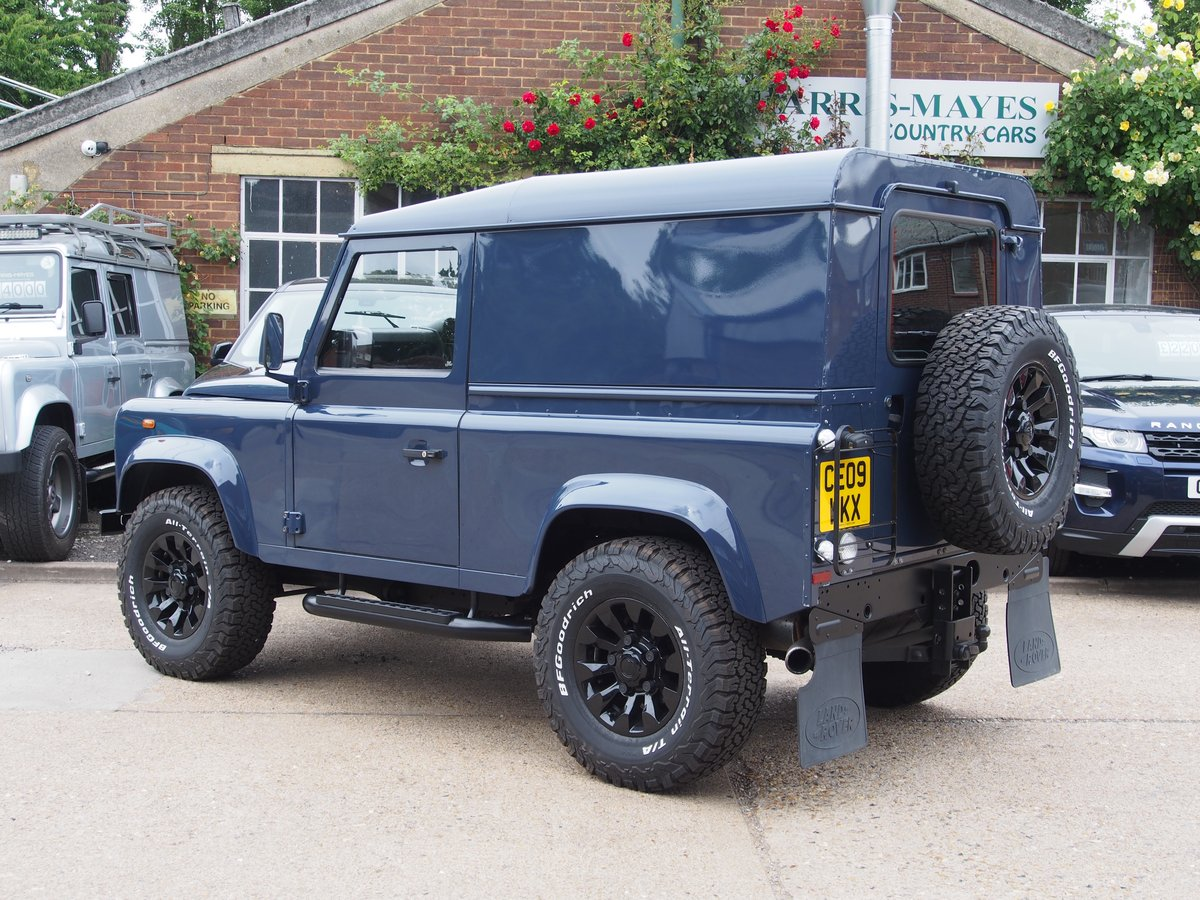 2009 Land Rover Defender 90 2.4 TDi Hard Top 3dr For Sale (picture 3 of 6)