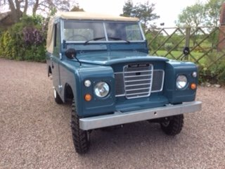1975 Completely Restored Land Rover Series 3 For Sale (picture 1 of 5)