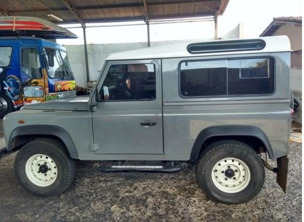 2001 Land Rover 90 for export from Brazil For Sale (picture 1 of 6)