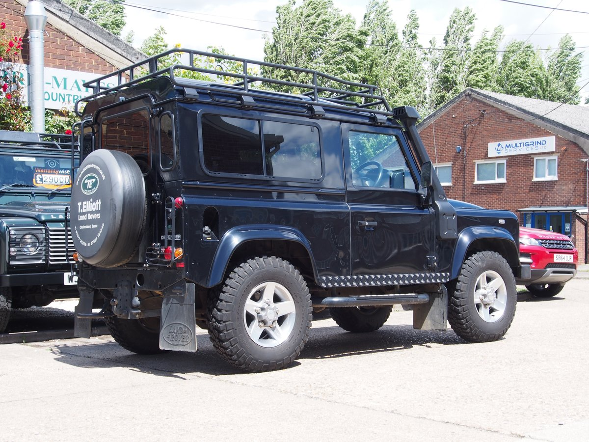 2011 Land Rover Defender 90 2.4 TDi XS Station Wagon 3dr For Sale (picture 3 of 6)