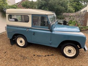 Land Rover Petrol SWB S3 1982  REFURBISHED NO RUST