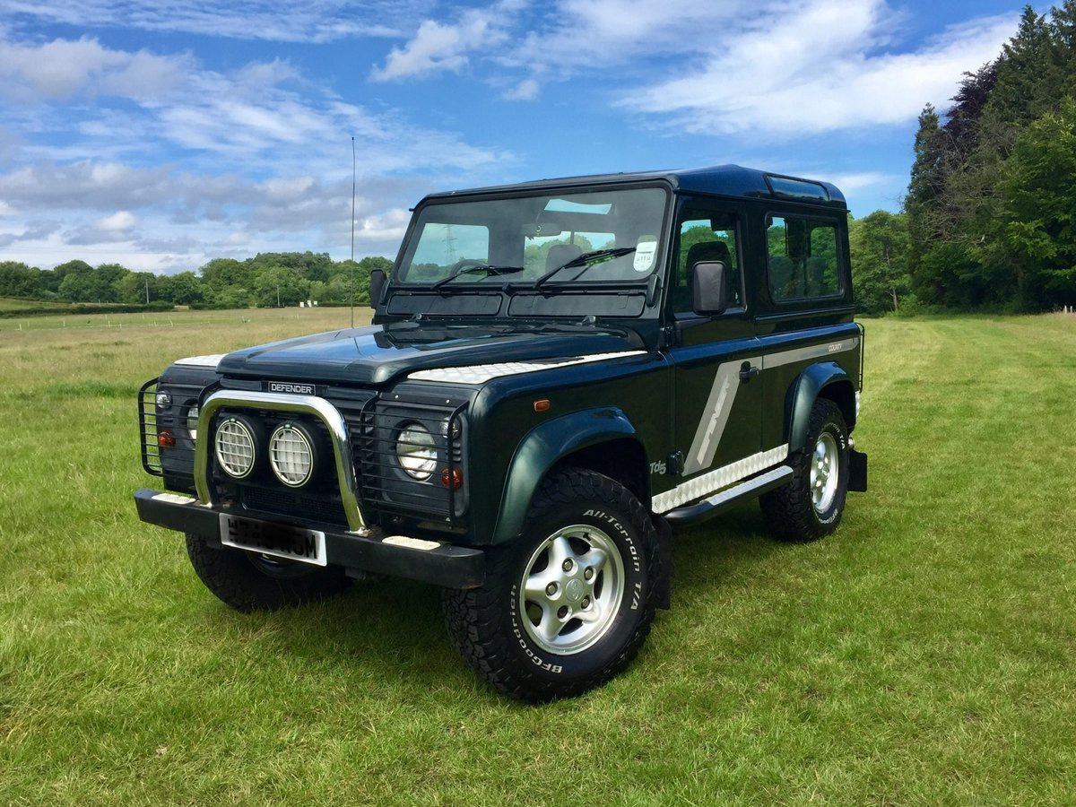 2000 Land Rover Defender 90 County TD5 For Sale (picture 1 of 6)